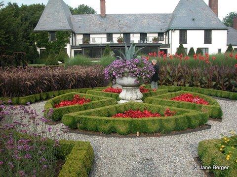 Gardendesignonline garden trips for Professional landscaping