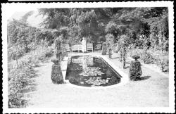 Beineke 10 Edith Wharton in rose garden-1